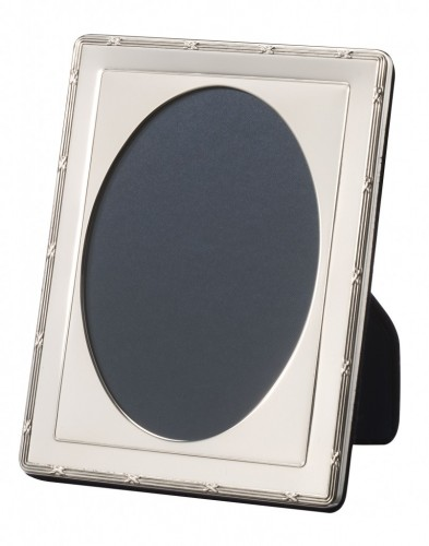 Silver Oval Photo Frame Ribbon Reed Design